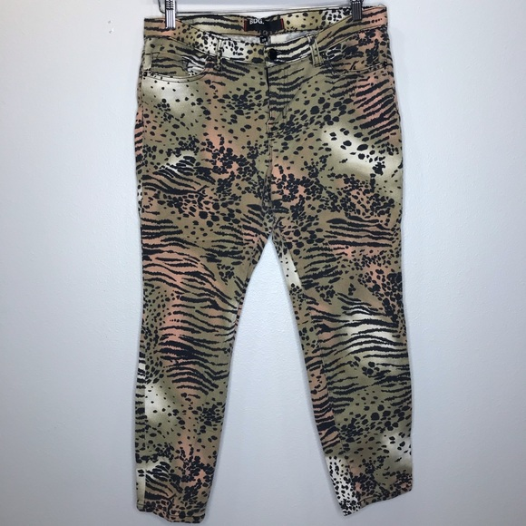 BDG Denim - BDG Animal Print High Rise Jeans Size 29